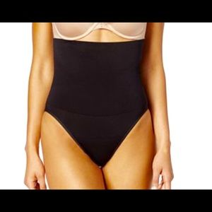 Maidenform Tummy Solutions Black high waisted